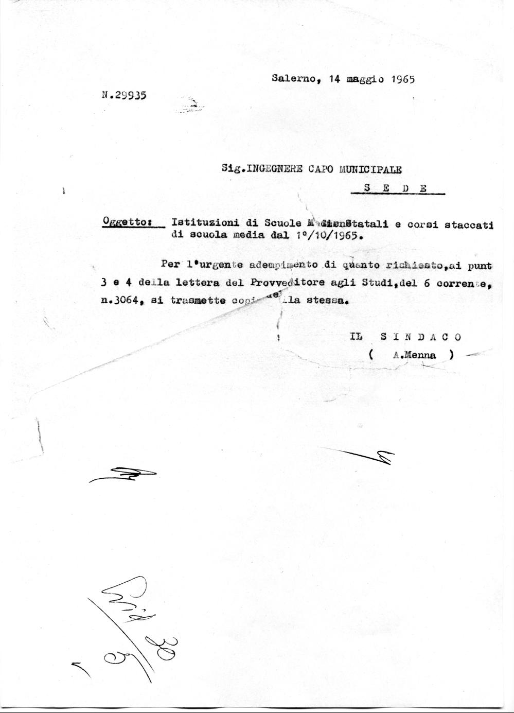 Comunicazione inviata dal Sindaco all'Ingegnere Capo Municipale per gli adempimenti tecnici richiesti dal Provveditorato Agli Studi di Salerno (Archivio storico Comune di Salerno)